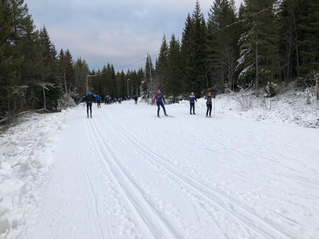 Orsa Grönklitt fick precis ihop 1,1 km skidspår tills vi kom. Och sedan 2,1 km under lördagen.