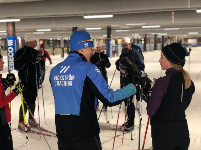 Jag tog med mig Martin Damm som extra tekniktränare i Skidome.