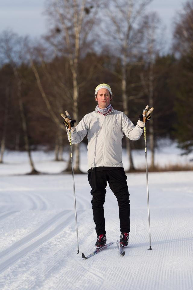 Niklas Bergh vet hur man posar i skidspåret. Foto: Luca Mara.