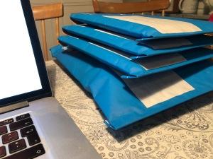 Ett tvåpack och tre enpack med boken Smart Konditionsträning