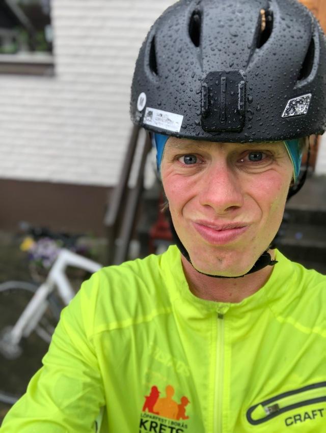 Cykling i 5 grader och regn. Ingen höjdare. Men ack så skönt när man kommer in.