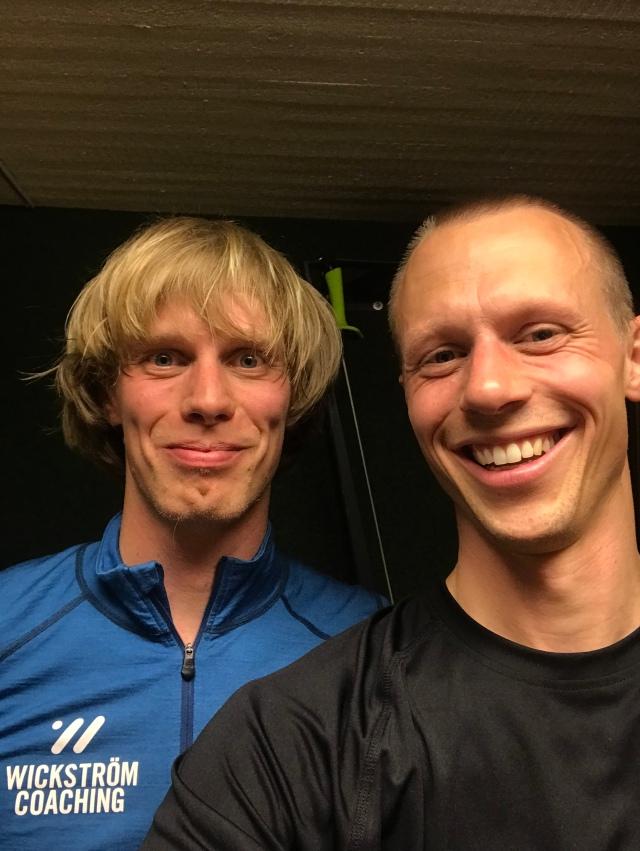 Martin Josefsson och jag försöker köra styrka atletklubben i vår källare en gång i veckan. Igår blev det cardio istället.