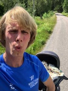 Jag varvade ner 20 min med Stig i joggingvagnen Thule Glide med liggdel