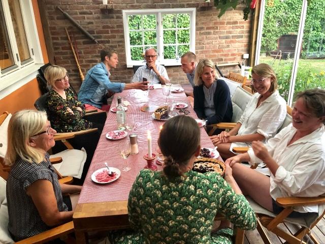 Livlig diskussion kring Linnéas äventyr med hennes segelbåt