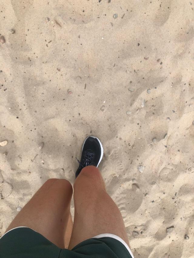 Löpning i sand. Alltid jobbigt. Skor: Hoka One One Clifton 6.