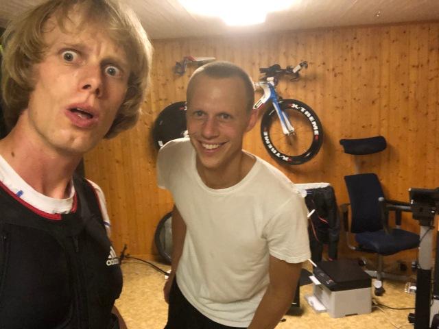 Styrketräning i atletklubben hemma i källaren med Martin Josefssson