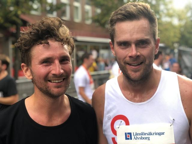Johan Hallqvist sprang stora delar av loppet med sin bror. Och Magnus Sjöbjer.