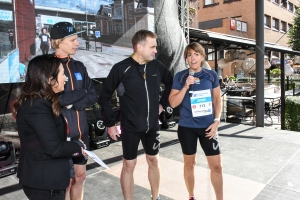 """Sarit Monastyrski (konferencier), jag och """"Kretslöparna"""" Magnus Stedt och Jennie Svensson. Alla tre persade i Kretsloppet."""