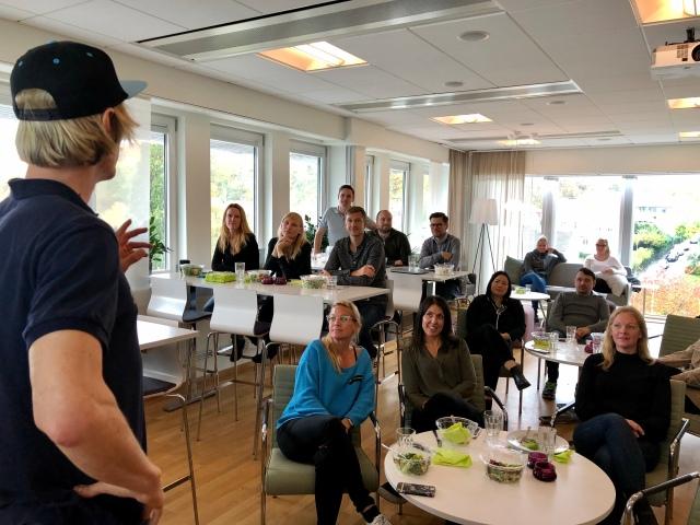 Högsäsong med föreläsningar. Här en lunchföreläsning på Ingram i Göteborg.
