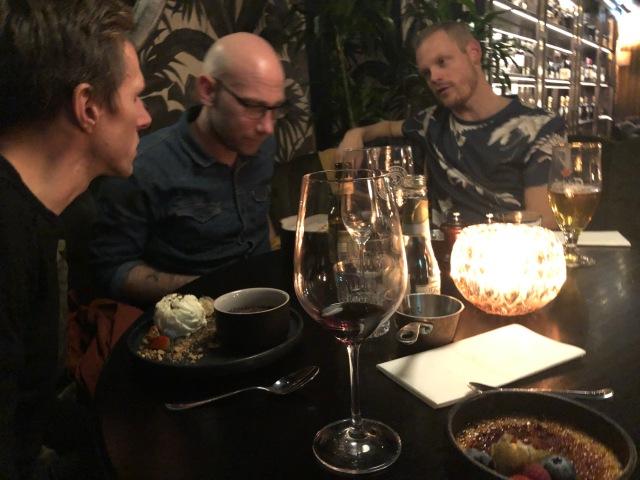 Robin Liljeros, Tobias Magnusson, Bizze Wing. Eller Anders Wing om man så vill. Istället för Borås kebab blev det denna gång Townhouse i Borås för god mat och dryck.