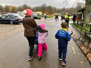 Hela familjen på plats vid Ymergården/Borås skidstadion