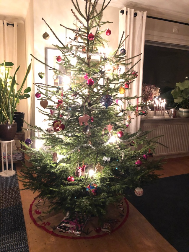 En till bild på vår julgran är inte fel