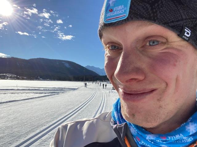 Seefeld. Fint som snus. Här i Leutasch-dalen med Visma Ski Classics-mössa.