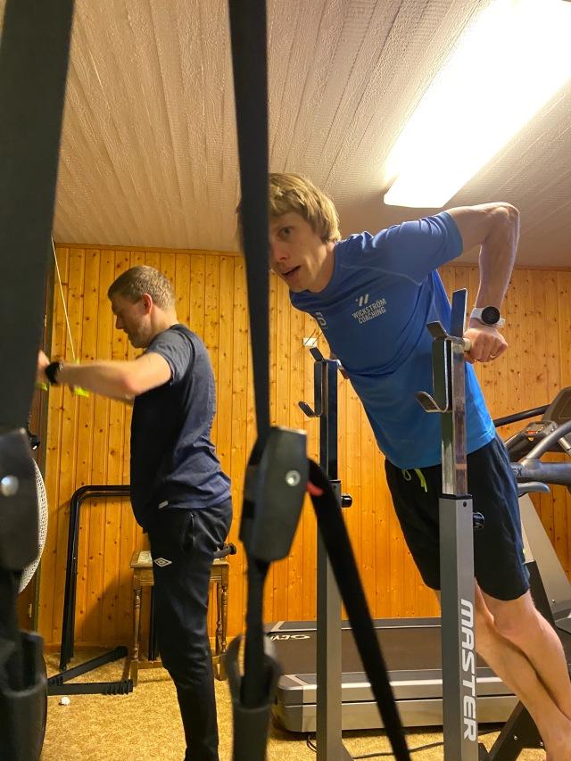 Dips och SkiErg hemma i atletklubben