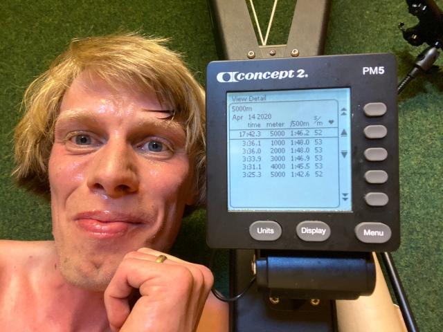 5000 m SkiErg på 17.42 min. Motstånd 8.