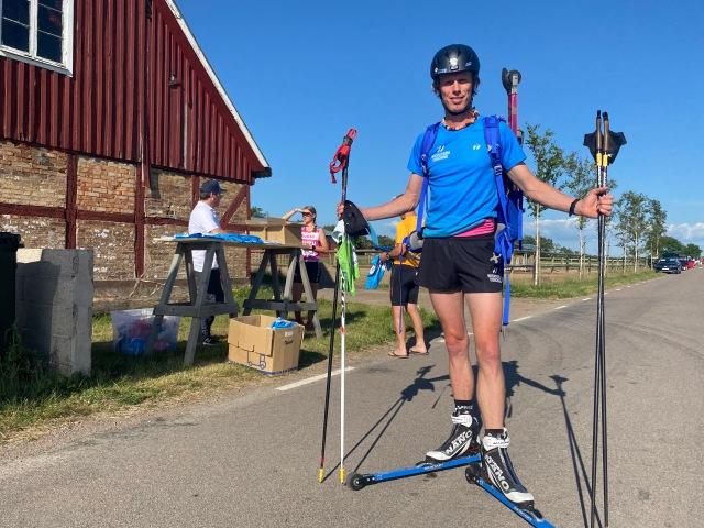 Jag åkte med Anders Svahn till tävlingen, därav ryggsäck. Ida och Stig kom senare med bilen medan Astrid och Maj stannade i Vejbystrand.