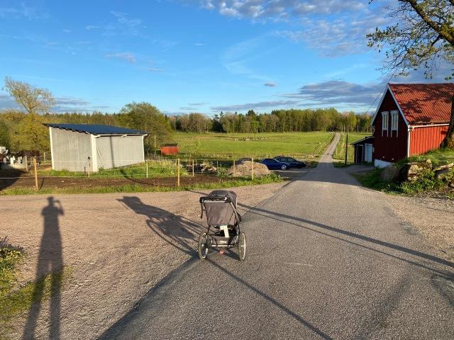 Kvällslöpning med joggingvagn på Önderedsvägen