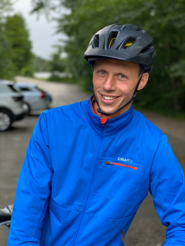 Martin Josefsson med sonen Sixten kom och hejade efter en inbjudan från Erik Thiberg som också var på plats