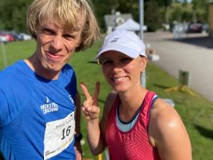 Syster Ellen Lindell sprang 17 km. Hon gillar att tävla, oavsett förberedelser.