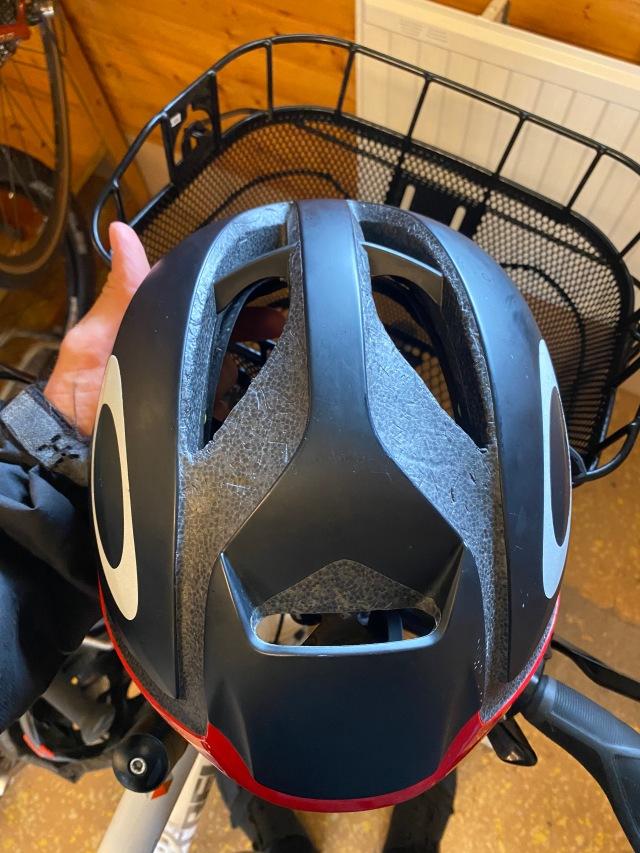 Cykelhjälm från Oakely