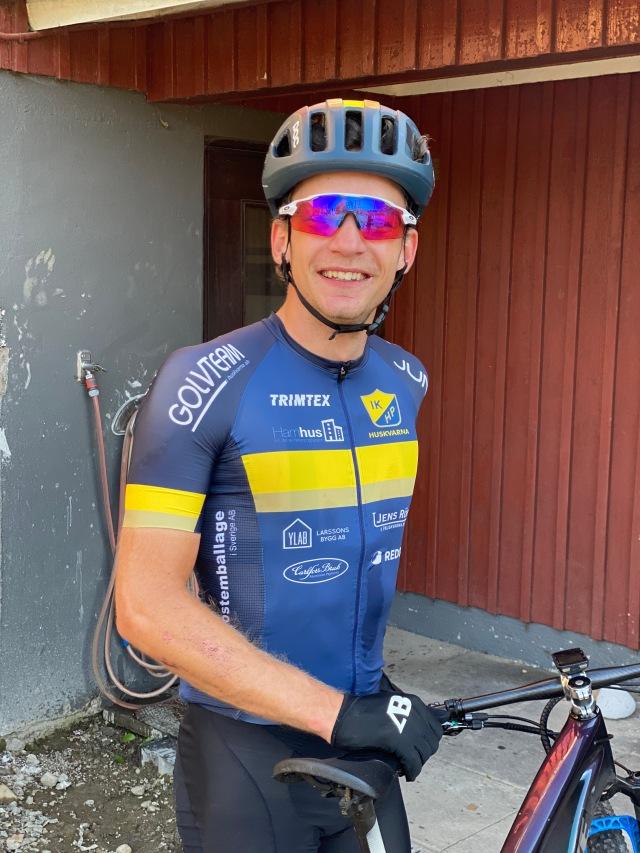 David Eriksson, ung MTB-cyklist som bor i Sjömarken