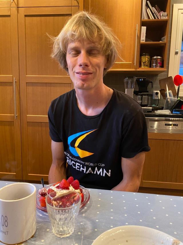 Igår 17 september fyllde jag 38 år. Ida och barnen hade fixat pannkakstårta till frukost.