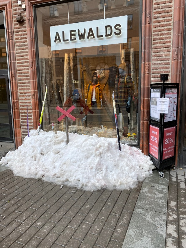 Snö utanför Alewalds på Kungsgatan