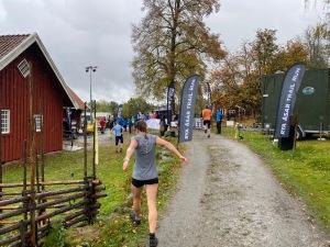 Karin Nilsson, där tänjandes inför start, blev 2:a.