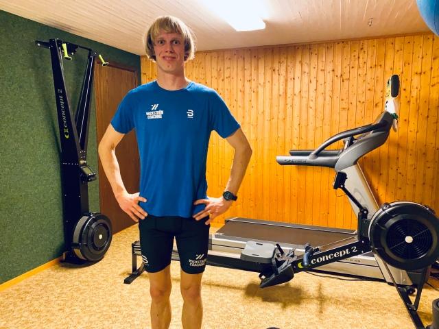 Atletklubben hemma i källaren. Cardiodelen av rummet med SkiErg, roddmaskin och löpband (BikeErgen fick inte vara med på bild).