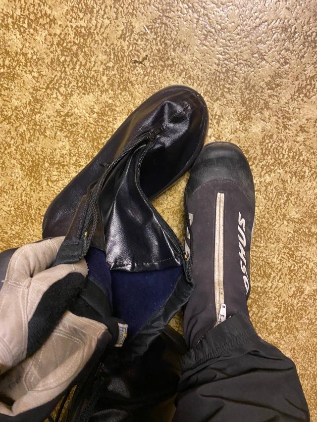 Drömmen att ha en stor sko så man kan ha skidskorna i skorna. Varmt om fötterna.