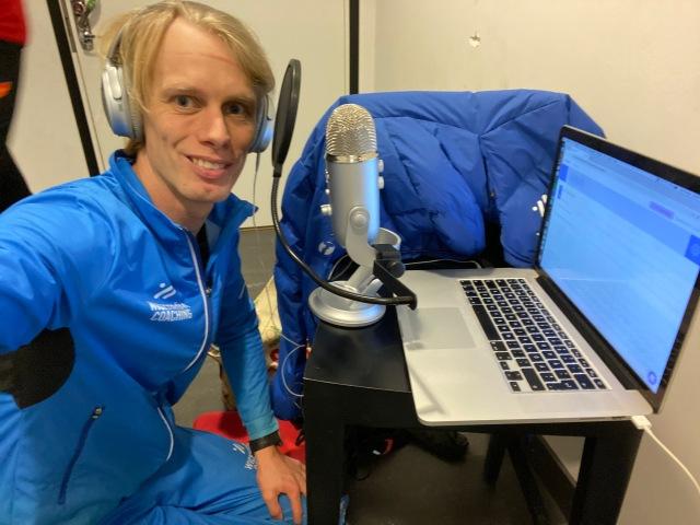 Intervjuad genom Zencastr i podcasten Ewerlöf och Månström. Med mikrofon i en korridor utanför Skidome.