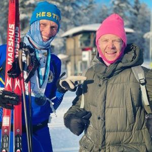 Simon Nilsson, adept i Wickström Coaching, stod redan med jackan på när jag kom i mål