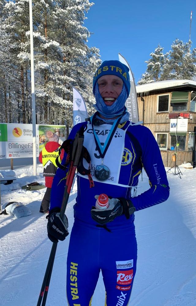 Billingens långlopp 2021 i Hestra IF-kläder. Foto: Lotta Stigsdotter