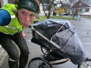 Läggningslöpning (barnvagnslöpning) igår med pannband från Bergspring.