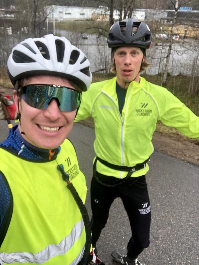 Johan Österlund och jag på rullskidor