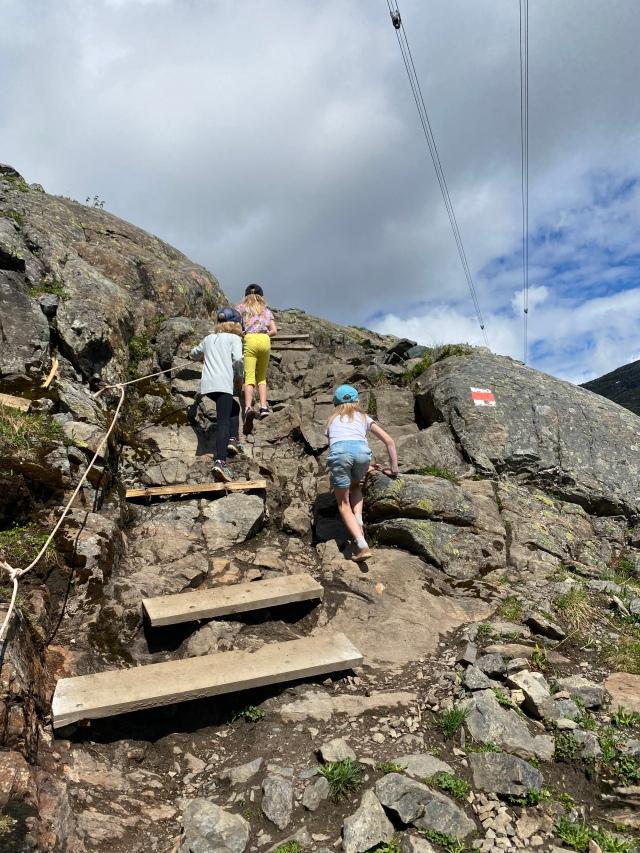 Vandring mot Åreskutans topp