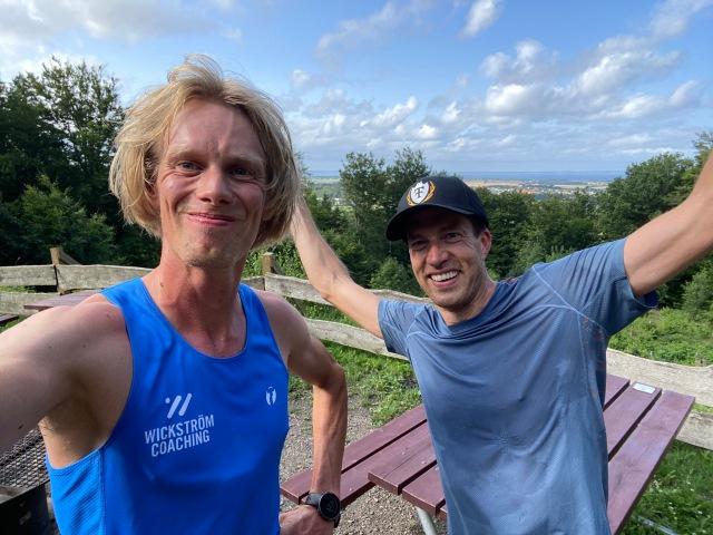 3 varv på milspåret i Hålehall med sommarkompisen Adam Stenman