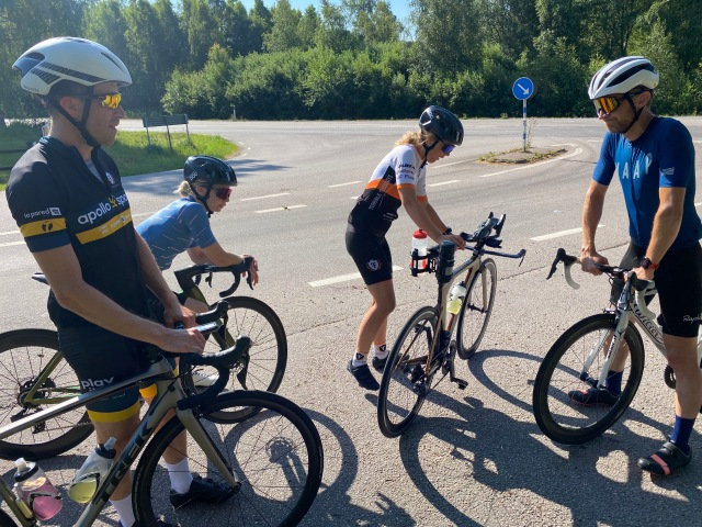 Cykeltur med Adam och Susanne Stenman och deras vänner Linda och Mattias