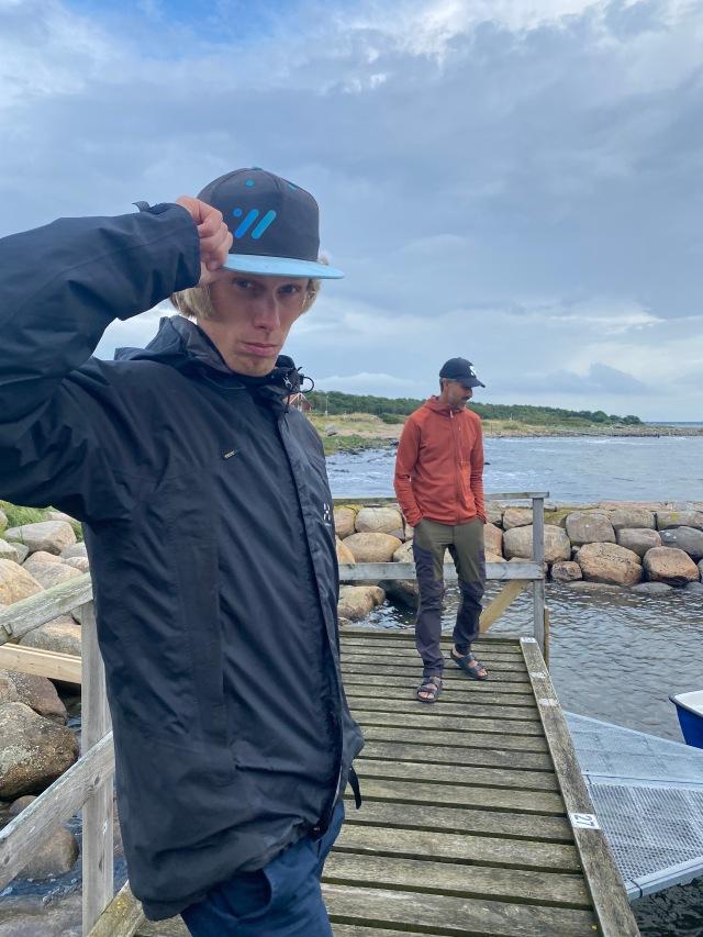 Ännu en dag med kraftfiske, här med Nicklas Wing i bakgrunden.