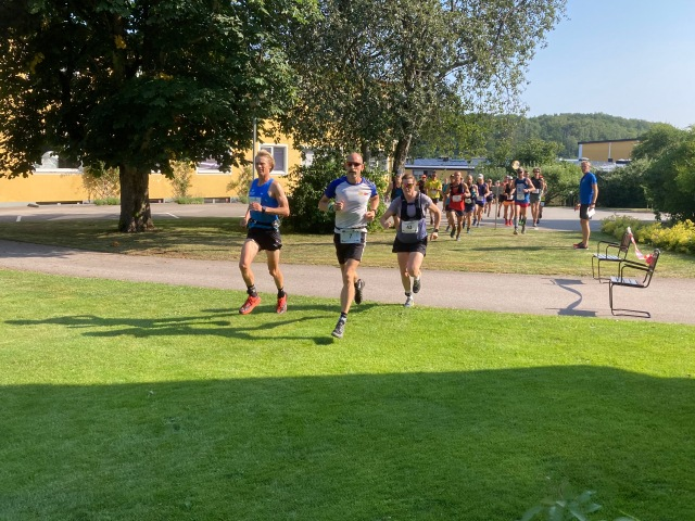 Starten för 51 km i Båstad företagsby i Bjäre Trail Run 2021